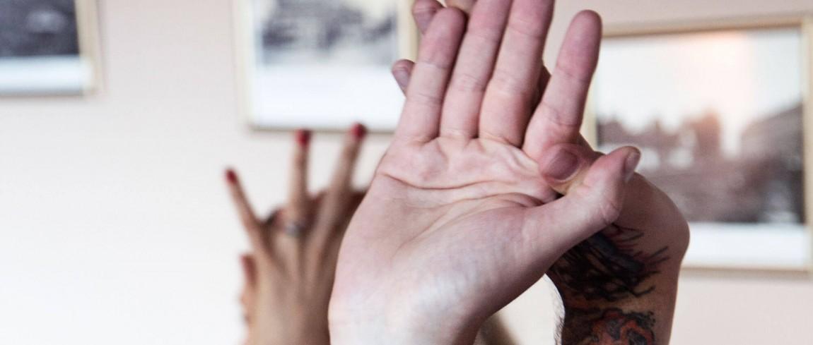 Brænder du for at bruge din yoga-faglighed til at gøre en forskel for socialt udsatte og hjemløse kvinder?